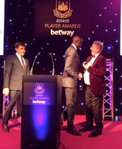Presenting Best Individual Performance Award to Cheikhou