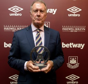 Geoff Hurst with his Lifetime Achievement Award