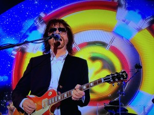 Jeff Lynne with ELO spaceship backdrop